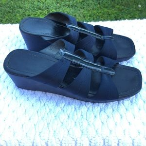 "☀️ 3/$15 Karen Scott ""Bondi"" Sandals"